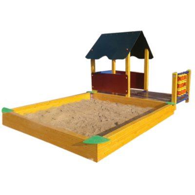 Domek z piaskownicą na plac zabaw