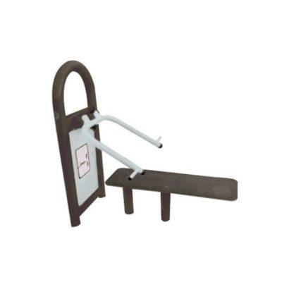 sztanga w leżeniu - urządzenia fitness siłownia na zewnątrz