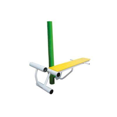 ławka z ćwiczeniem nog i bioder- urządzenia fitness siłownia na zewnątrz