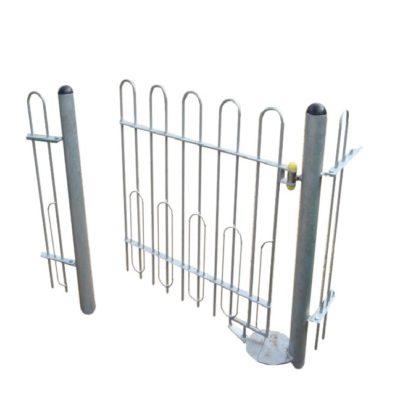 Bramka / furtka samo-zamykająca się metalowa na plac zabaw