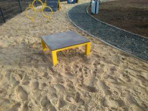 Platforma dla psów na wybieg dla psów, psi park